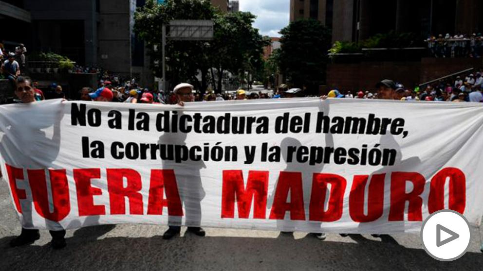 Partidarios del opositor Juan Guaidó se movilizan este sábado para exigir la salida del presidente Nicolás Maduro en Caracas. Foto: AFP