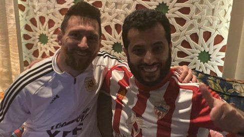Messi, junto al Turki Al-Shikh, jeque del Almería.