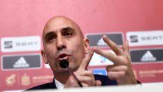 Luis Rubiales da explicaciones en rueda de prensa.