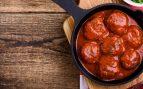 Receta de albóndigas de espinacas con salsa de tomate
