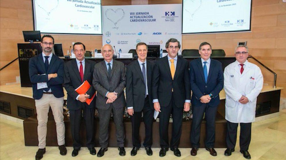 Juan Abarca, presidente de HM Hospitales, con un grupo de altos cargos de HM Hospitales y el decano de la facultad de medicina del CEU San Pablo, Tomás Chivato.