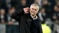 José Mourinho, en un partido. (AFP)