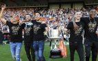 Rodrigo, Gayà, Parejo, Jaume Doménech y Kondogbia con la Copa