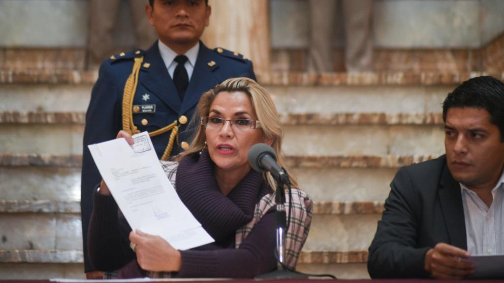 La presidenta «interina» de Bolivia Jeanine Anez. Foto. EP