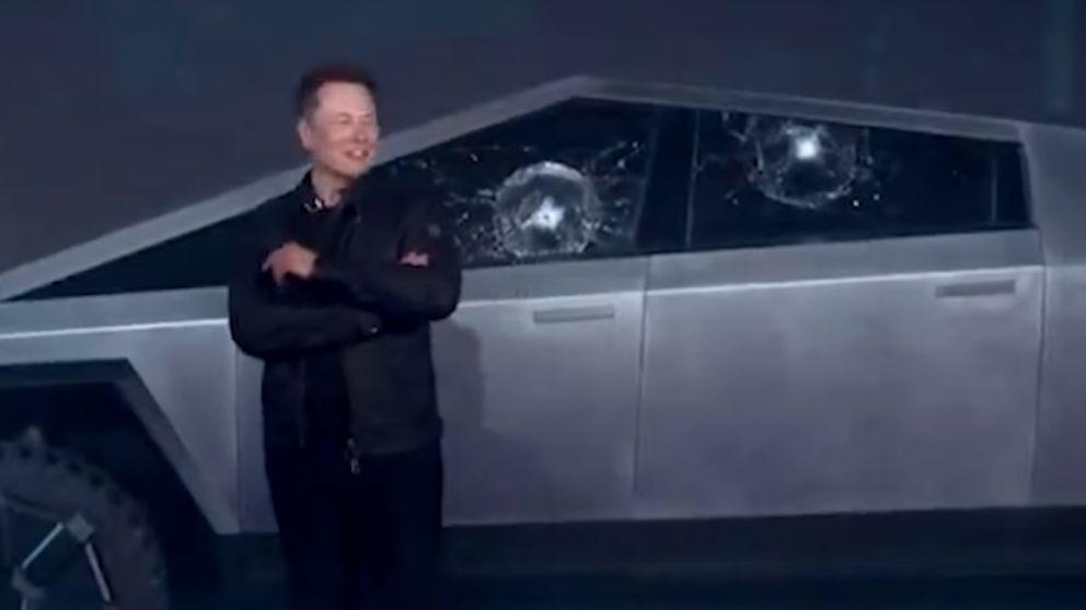 El cristal irrompible de Tesla se rompe en plena presentación