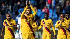 Piqué saluda a la afición después del Leganés-Barcelona. (AFP)