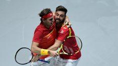 Nadal y Granollers celebran la victoria. (AFP)