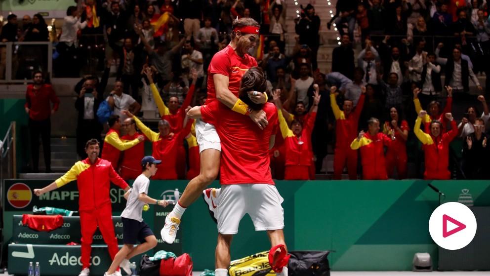 Nadal y Feliciano celebran la victoria. (EFE)