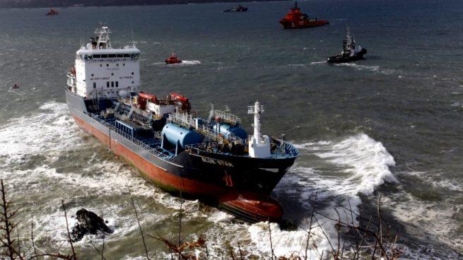 Vista del buque de transporte de productos químicos 'Blue Star'