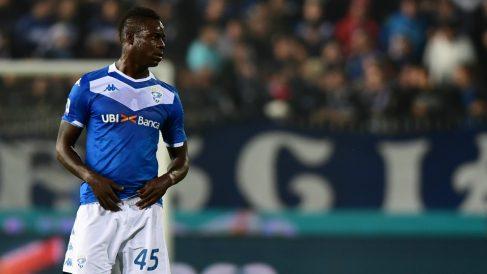 Balotelli, en un partido del Brescia. (AFP)