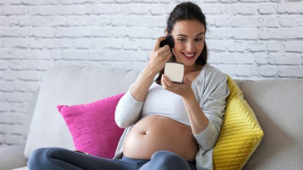 Por qué nos hacemos tantas selfies de embarazadas