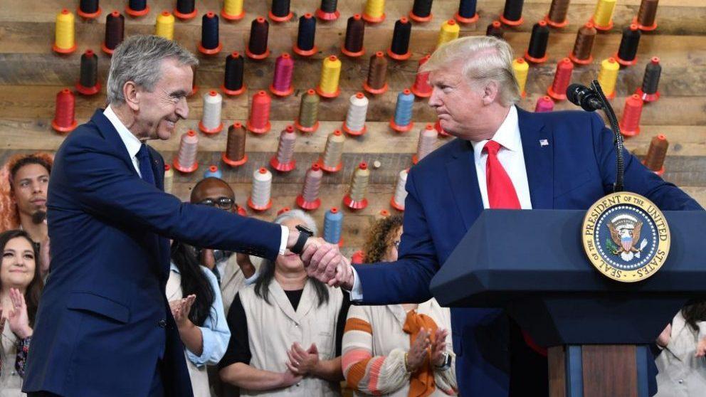 Donald Trump y Bernard Arnault en la inauguración de la fábrica de Louis Vuitton en Texas @Getty