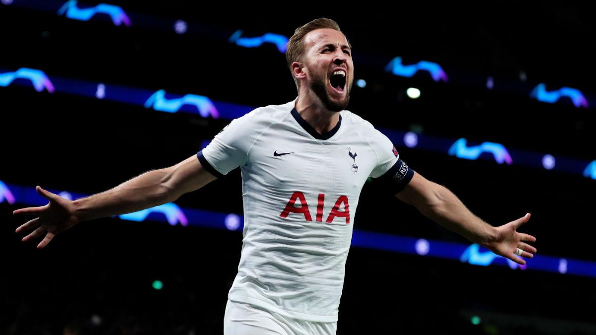 Kane celebra uno de sus dos goles ante el Olympiacos (Getty).