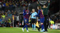 Dembélé se retira para dejar su lugar a Griezmann. (AFP)