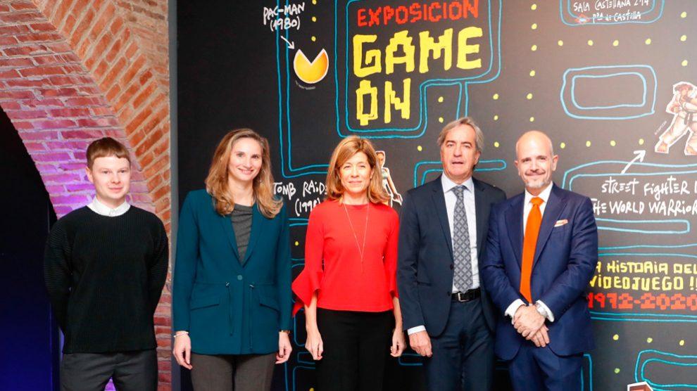 La consejera de Medio Ambiente, Ordenación del Territorio y Sostenibilidad, Paloma Martín, inaugura la exposición 'Game On'. Foto: EP