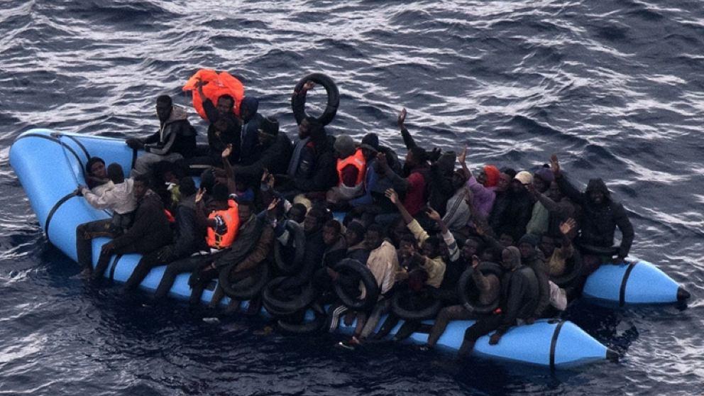Un grupo de inmigrantes rescatados por Salvamento Marítimo. Foto: EP|Archivo