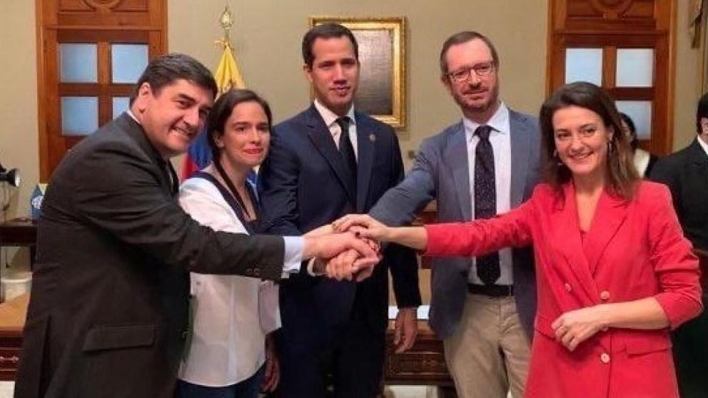 Javier Maroto junto a Juan Guaidó en Venezuela. Foto: EP