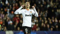Rodrigo se lamenta tras una ocasión. (AFP)