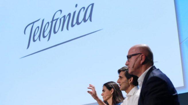 El presidente ejecutivo del Grupo Telefónica, José María Álvarez-Pallete; el consejero delegado, Ángel Vilá, y la directora general de Finanzas y Control, Laura Abasolo.