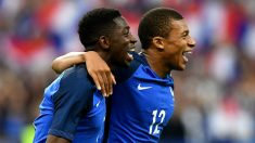 Dembélé y Mbappé, celebrando un gol con Francia