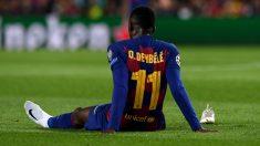 Dembélé, tras lesionarse en el partido del Borussia Dortmund. (AFP)