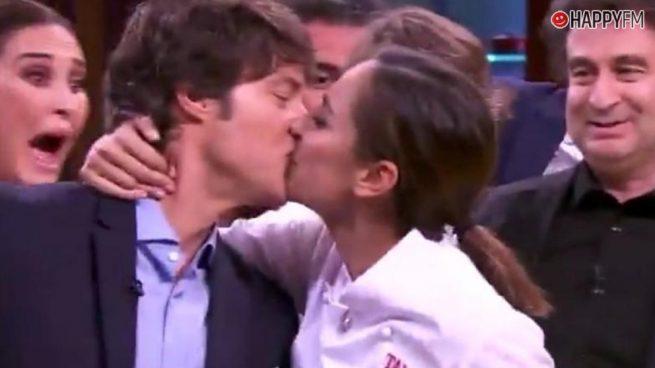 'Masterchef Celebrity': Tamara Falcó y Jordi Cruz protagonizan un esperado beso
