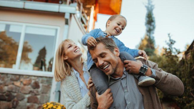 Cómo afecta la edad de los padres a los hijos