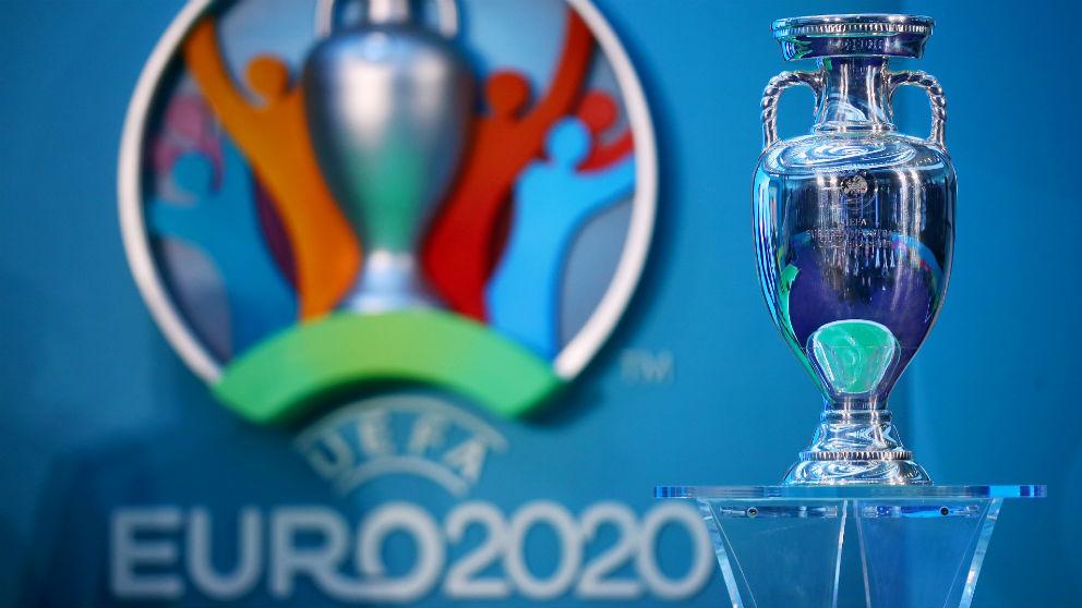 El trofeo de la Eurocopa 2020.