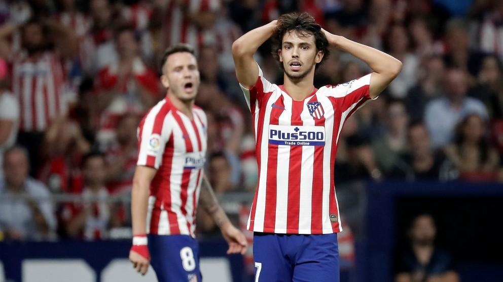 Joao Félix se lamenta por una ocasión errada en un partido con el Atlético de Madrid. (Getty)