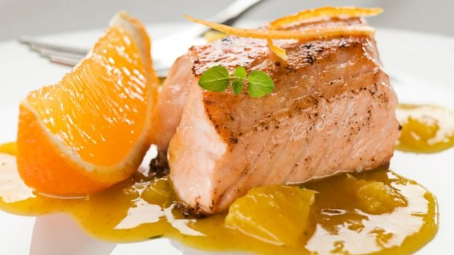 Receta de salmón en salsa de cítricos con dados de calabaza