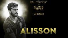 Alisson, premio Yashin al mejor portero del año.
