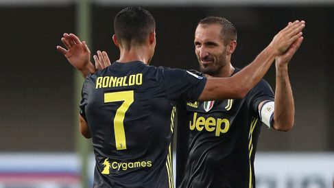 Chiellini y Cristiano celebran un gol de la Juventus (Getty)