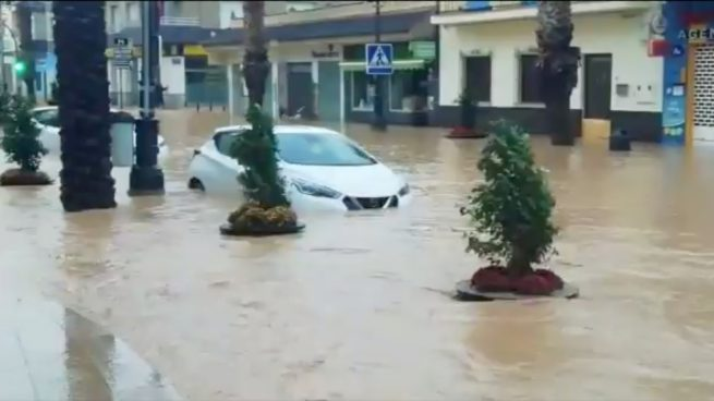 Alerta en Los Alcázares por la DANA: hay un centenar de evacuados y se han suspendido las clases