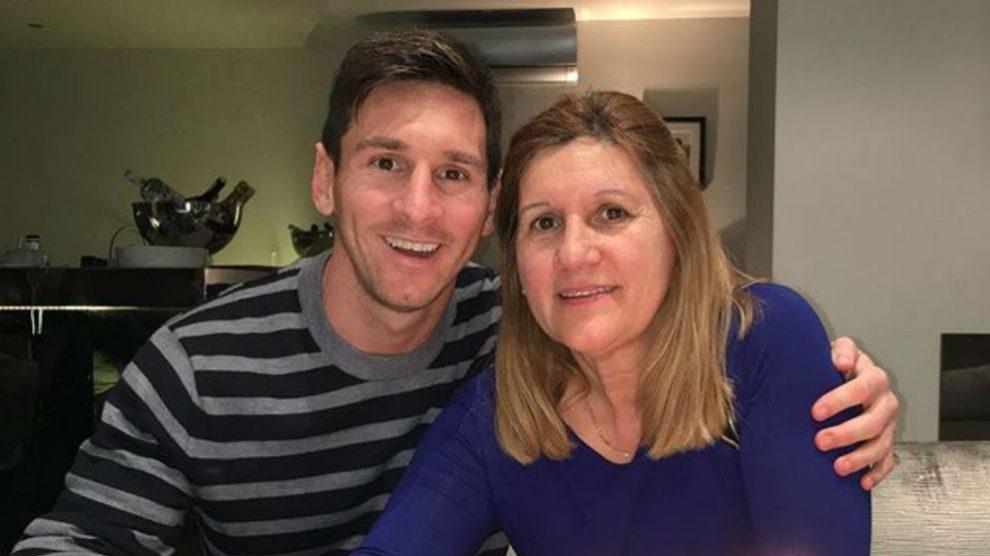 Leo Messi posa junto a su a madre. (Foto: Instagram)