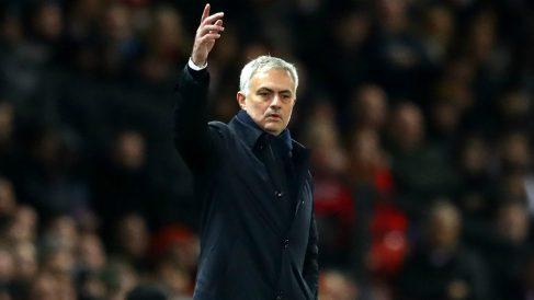 Mourinho, durante el United – Tottenham. (Getty)