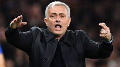 Mourinho durante un partido con el Tottenham. (AFP)
