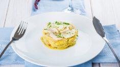 Merluza con vino blanco y jamón ibérico