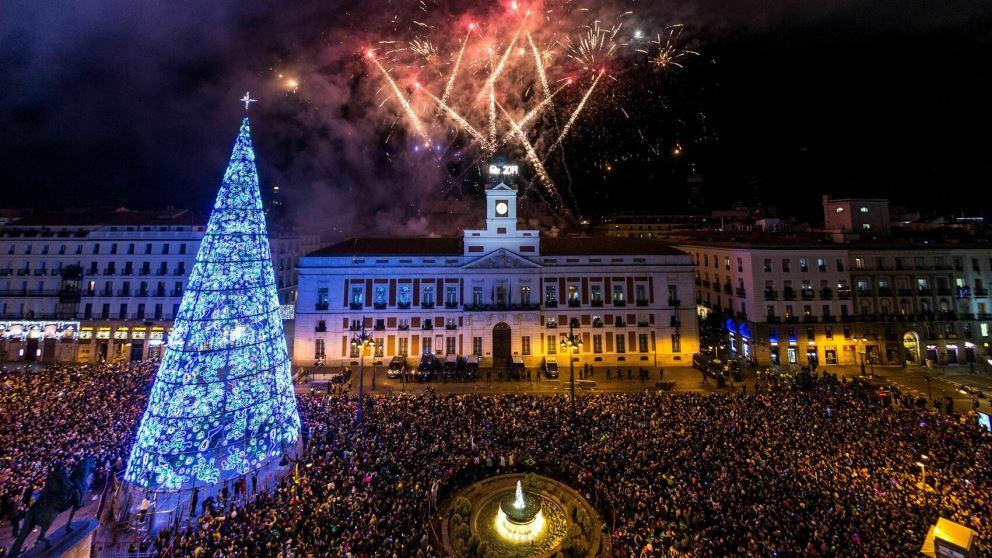 La Puerta del Sol es ya un lugar mítico en la Nochevieja española.