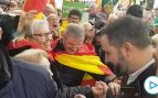 Cientos de personas se manifiestan en Barcelona por la Constitución: «¡Artículo 155 ya!»
