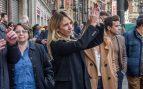 Álvarez de Toledo defiende la Constitución en Bilbao mientras los proetarras le lanzan huevos