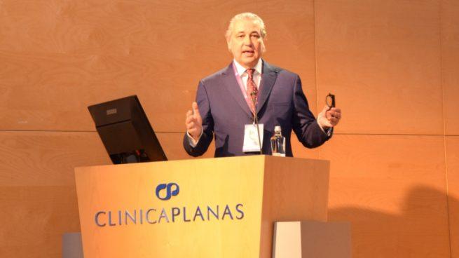 Jorge Planas vuelve a ser distinguido por Forbes como uno de los cirujanos plásticos más prestigiosos
