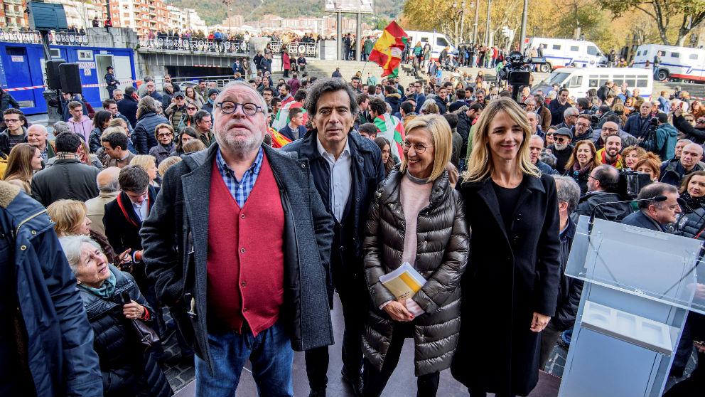 La portavoz del PP en el Congreso, Cayetana Álvarez de Toledo, el filósofo Fernando Savater, Rosa Díez y Arcadi Espada.