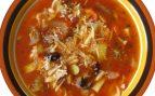 Sopa de verduras y champiñones con azafrán