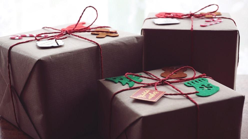 Envolver un regalo de forma original no es tarea sencilla