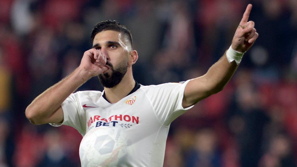 Munas Dabbur celebra un gol con el Sevilla. (AFP)