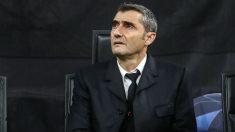 Ernesto Valverde, durante un partido del Barça (AFP)