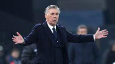 Ancelotti, durante uno de sus últimos partidos como técnico del Nápoles (Getty)