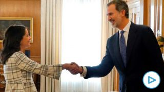 Inés Arrimadas con Felipe VI. Foto: Europa Press