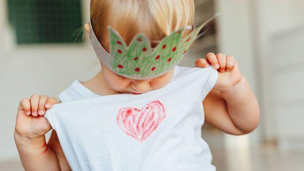 Qué hacer con la ropa que ya no le cabe al bebé