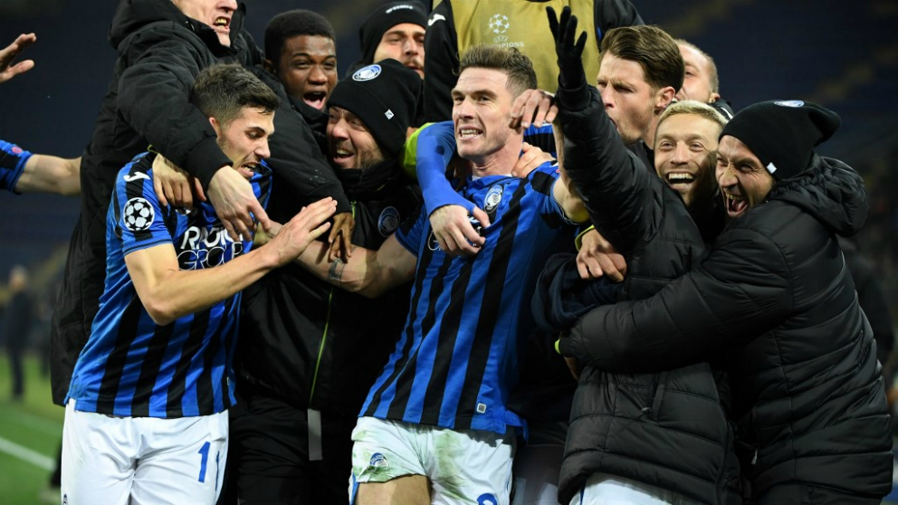 El Atalanta celebra su pase a octavos de la Champions League. (AFP)